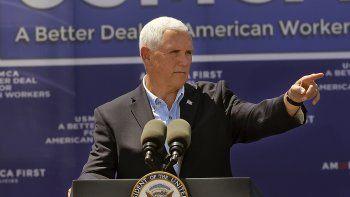 El vicepresidente Mike Pence pronuncia un discurso en la empresa Elite Well Services en Artesia, Nuevo México, el miércoles 21 de agosto de 2019. (Jim Thompson/The Albuquerque Journal vía AP)
