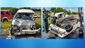 Imágenes de un accidente ocurrido al sur de la ciudad de Santa Clara, en el centro de Cuba, publicadas por el sitio oficialista Cubadebate, tomadas de la página de Facebook del telecentro Telecubanacán.