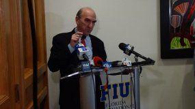 Elliott Abrams, enviado especial del Gobierno de EEUU para Venezuela, ofrece declaraciones el 10 de enero de 2020 en la Universidad Internacional de la Florida, FIU, en Miami.