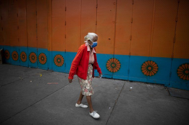 Una mujer mayor