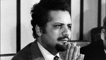 Ahmed Zaki Yamani era un ser de una inteligencia poco común, reflexivo, educado, de buenas maneras y de una gran paciencia. Todas estas características esenciales hacían de él un admirable negociador. Murió a los 90 años el pasado 23 de febrero