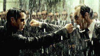 Dirigida por Lana Wachowski, The Matrix estará protagonizada por Keanu Reeves, Carrie-Anne Moss, Yahya Abdul-Mateen II, Neil Patrick Harris, Jada Pinkett Smith, Jessica Henwick y Jonathan Groff. Suestrenoen cines está programado para el 21 de mayo.