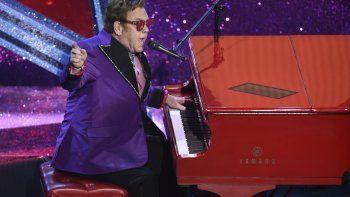 En esta foto del 9 de febrero del 2020, Elton John interpreta (Im Gonna) Love Me Again, el tema de Rocketman nominado a mejor canción original, durante la ceremonia de los premios Oscar en Los Angeles.