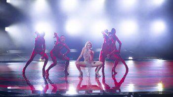En esta foto del 12 de mayo de 2021, la cantante de Chipre Elena Tsagrinou ensaya su canción El Diablo para el Festival de la Canción de Eurovisión, en el estadio Ahoy en Rotterdam, Holanda.