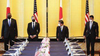 De izquierda a derecha, el secretario de Defensa de Estados Unidos, Lloyd Austin; el secretario de Estado de Estados Unidos, Antony Blinken, el ministro japonés de Exteriores, Toshimitsu Motegi, y el ministro japonés de Defensa, Nobuo Kishi, durante su reunión conjunta sobre seguridad en la casa de huéspedes Iikura en Tokio, Japón, el martes 16 de marzo de 2021.