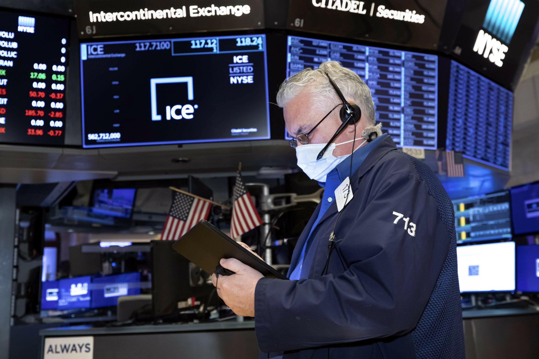 Wall Street cierra a la baja a pesar de buenos datos de inflación