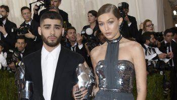 La súper modelo Gigi Hadid y el cantante Zayn Malik a su llegada al The Metropolitan Museum of Art Costume Institute Benefit Gala, en mayo de 2016.