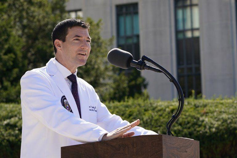 El Dr. Sean Conley