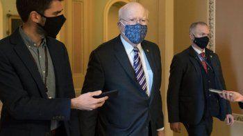 El senador demócrata Patrick Leahy, quien presidirá el juicio político de Donald Trump en el Senado de Estados Unidos, fue hospitalizado por precaución