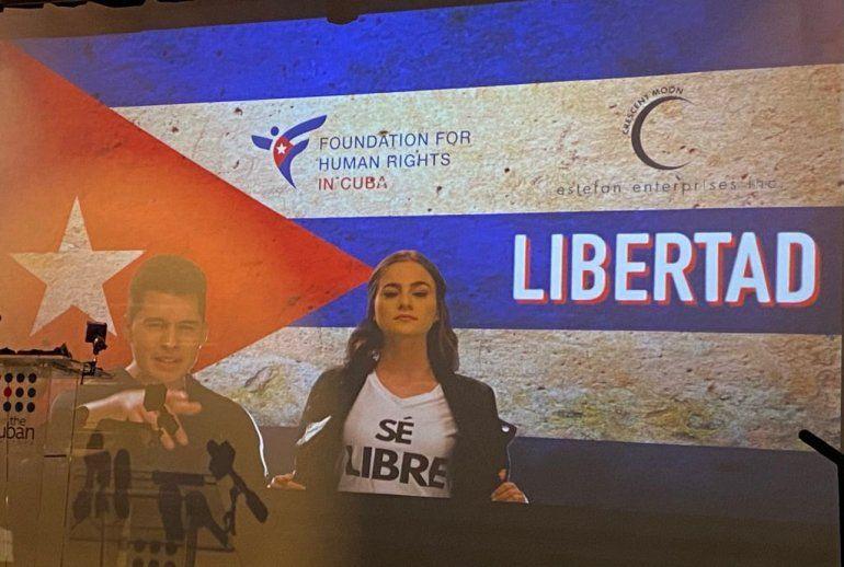 En el video clip, en el que se reflejan puntos históricos y característicos de la isla, se puede ver a los jóvenes artistas cubanos Yailenys Pérez y Joncien interpretar un canto de amor, dolor y esperanza