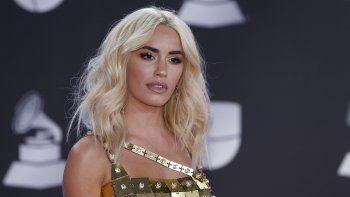 Lali Espósito llega a la 20ma entrega anual de los Latin Grammy en Las Vegas el 14 de noviembre de 2019. Mientras filma en España la anticipada serie de Netflix Sky Rojo, la actriz y cantante argentina promueve su cuarto álbum de estudio, Libra.