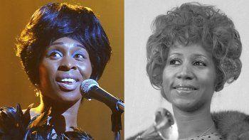 En esta combinación de fotografías Cynthia Erivo interpreta a Aretha Franklin en la miniserie de National Geographic Genius: Aretha, izquierda y Aretha Franklin con su premio Grammy Award a mejor interpretación R&B por la canción Bridge Over Troubled Waters en Nueva York el 13 de marzo de 1972.