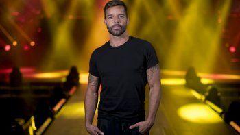 En esta fotografía de archivo del 27 de enero de 2020, el cantante puertorriqueño Ricky Martin posa en el Coliseo José Miguel Agrelot en San Juan, Puerto Rico.