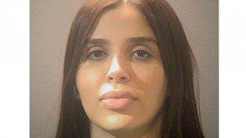 Fotografía proporcionada por el centro de detención de Alexandria se ve a Emma Coronel Aispuro, la esposa del narcotraficante mexicano Joaquín El Chapo Guzmán.
