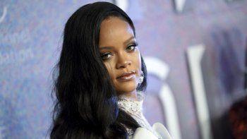 Al igual que Fenty Beauty, la marca de cosméticos que ambos lanzaron, la firma llevará el apellido de la artista de Barbados, cuyo nombre completo es Robyn Rihanna Fenty.