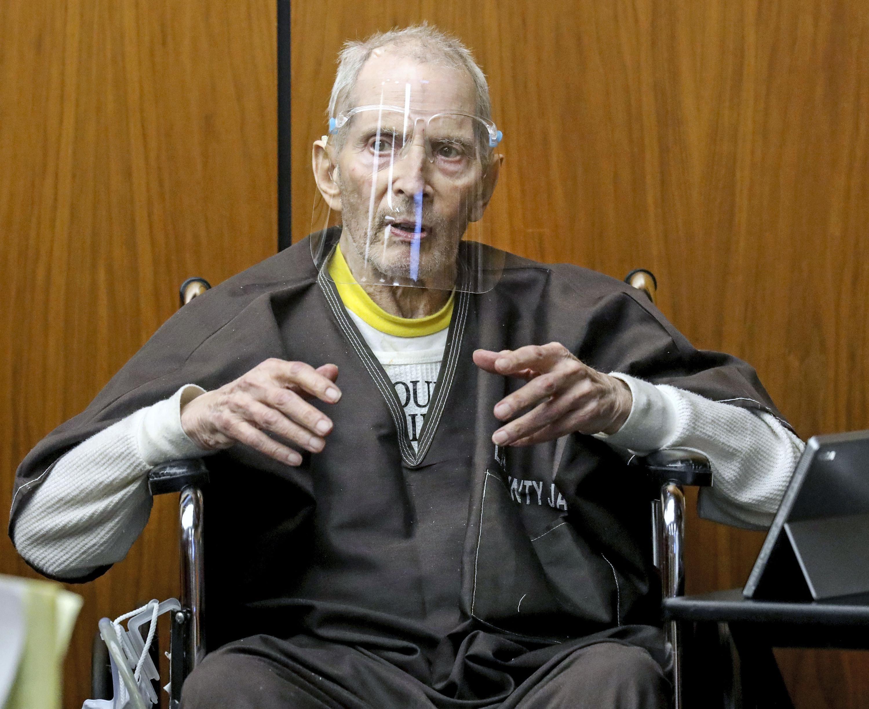 El magnate inmobiliario estadounidense Robert Durst fue sentenciado a cadena perpetua sin posibilidad de libertad condicional en un tribunal de Los Ángeles este jueves por el asesinato de su mejor amiga.