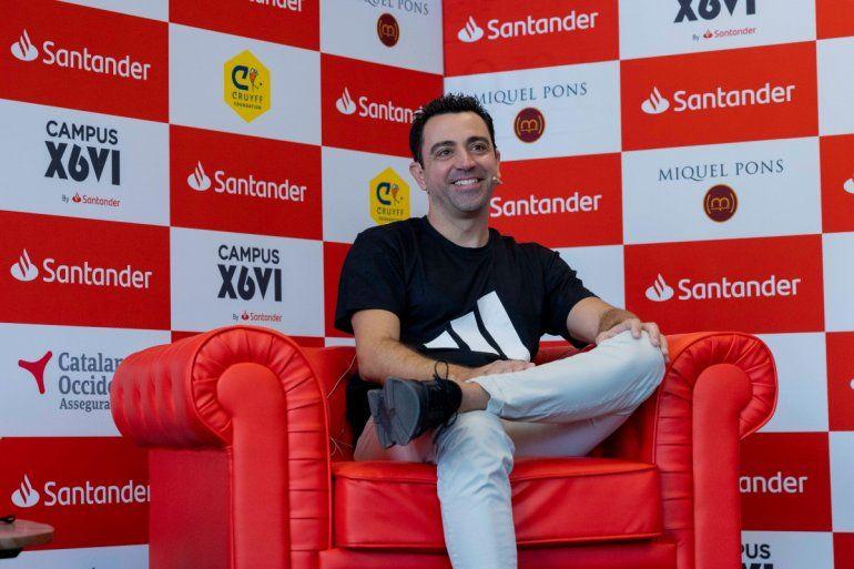 El entrenador Xavi Hernández en la presentación de su Campus Xavi Hernández by Santander en el Santander Work Café de Passeig de Gràcia número 54 de Barcelona