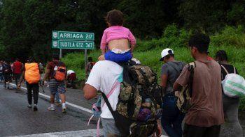 Se ve a migrantes centroamericanos y haitianos dirigiéndose en una caravana hacia los Estados Unidos, en Huixtla, Estado de Chiapas, México, el 4 de septiembre de 2021.