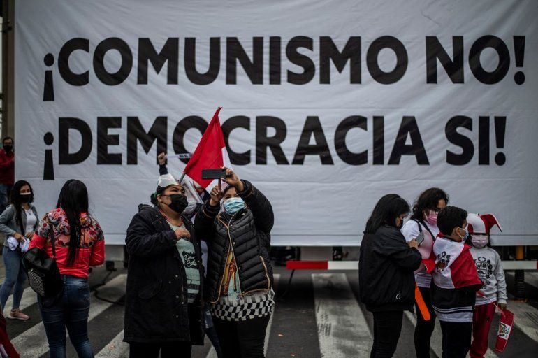 Simpatizantes de la candidata peruana por el partido Fuerza Popular