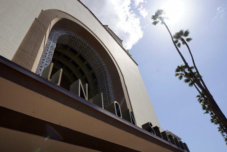 El exterior de Union Station en Los Angeles el 23 de marzo de 2021. La ceremonia de los premios Oscar se transmitirá por primera vez desde este sitio histórico el domingo 25 de abril de 2021.