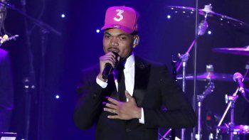 Chance the Rapper actúa en una gala previa a los premios Grammy el 25 de enero de 2020 en Beverly Hills, California. El músico ganador del Grammy trae un concierto secreto filmado hace cuatro años a la pantalla grande.