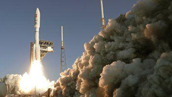 Un cohete Atlas V de la firma United Launch Alliance despega de Cabo Cañaveral, Florida, el jueves 30 de julio de 2020. La misión enviará un explorador a Marte para buscar signos de vida antigua.