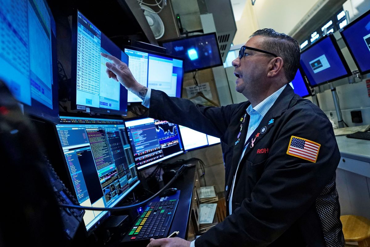 Un agente de Wall Street trabaja este miércoles.