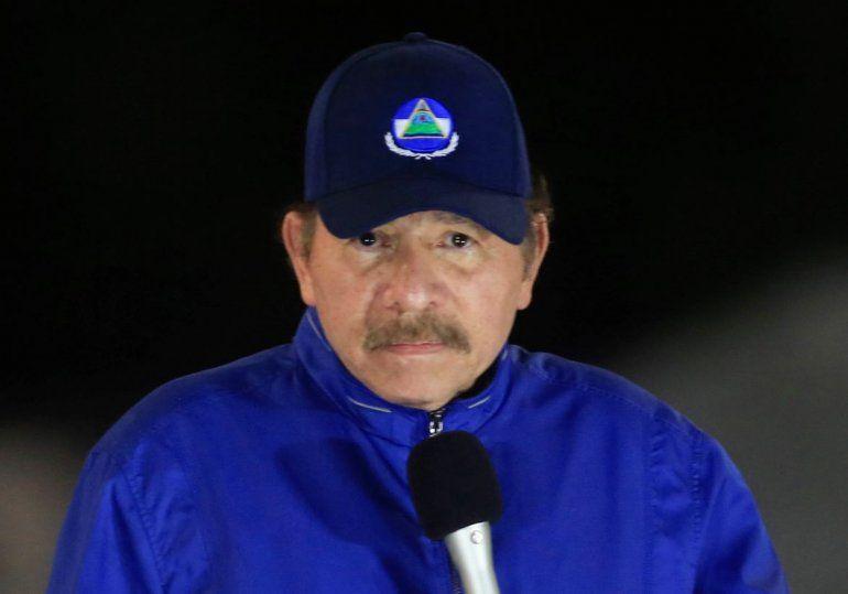"""El dictador nicaragüense Daniel Ortega habla durante la inauguración de una obra en Managua. Estados Unidos advirtió el martes 5 de mayo de 2020 que está """"dispuesto a aumentar la presión"""" sobre el régimen de Ortega para forzarlo a realizar elecciones libres y excarcelar a casi un centenar de """"presos políticos""""."""