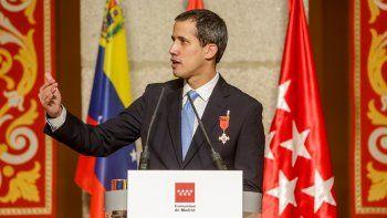 El presidente de la Asamblea Nacional Venezolana, Juan Guaidó, en el acto de la Comunidad de Madrid donde recibe la Medalla Internacional de la Comunidad de Madrid, en Madrid a 25 de enero de 2020.