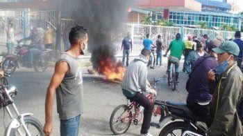 En Venezuela, según el OVCS, se produjeron más de 4.000 protestas durante el primer semestre de 2020, la mayoría en reclamo de derechos básicos como alimentación o mejoras de servicios públicos.