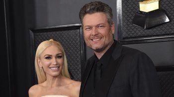 Gwen Stefani, a la izquierda, y Blake Shelton llegan a la 62 entrega anual de los premios Grammy el 26 de enero de 2020 en Los Angeles. La pareja anunció su compromiso el martes 27 de octubre en redes sociales.