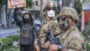 La Guardia Nacional ya ha desplegado a más de 43.300 militares para atajar los disturbios en EEUU. La Guardia Nacional ha informado de que ya ha desplegado a más de 43.300 militares en todo Estados Unidos para atajar los disturbios relacionados con las protestas por la muerte del afroamericano George Floyd durante una detención policial en Mineápolis.