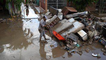 El fenómeno natural Eta arremetió como huracán categoría 4 en centroamérica y dejó más de 200 muertos y daños millonarios en viviendas, carreteras y cultivos.