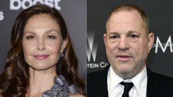 Ashley Judd asiste al estreno de The Divergent Series: Insurgent en Nueva York el 16 de marzo de 2015, a la izquierda, y el productor de cine Harvey Weinstein llega a la fiesta de The Weinstein Company y Netflix Golden Globes en Beverly Hills, California, el 16 de marzo de 2015.