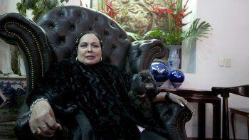 La cantante de música regional mexicana Guillermina Jiménez Flor Silvestre durante una entrevista con The Associated Press en el Festival Internacional de Cine de Guadalajara en Guadalajara, México, en una fotografía del 11 de marzo de 2015. Flor Silvestre falleció el 25 de noviembre de 2020, informó la Asociación Nacional de Actores de México.