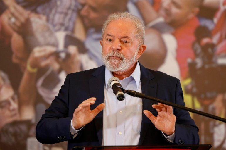 El expresidente brasileño Luiz Inácio Lula da Silva habla en la sede del Sindicato de Trabajadores Metalúrgicos en Sao Bernardo do Campo
