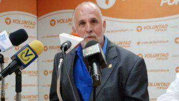 El diputado opositor venezolano, Ismael León, solicitó ante el Parlamento quese inicie una investigación por las recientes expropiaciones que se han llevado a cabo con elprograma Ubica tu Casa.