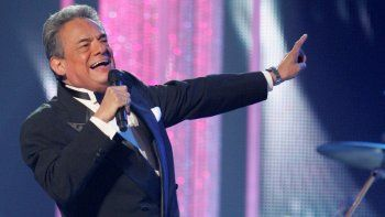 En esta fotografía de archivo del 28 de abril de 2011 José José durante una presentación en los Latin Billboard Awards, en Coral Gables, Florida. El cantante falleció el sábado 28 de septiembre de 2019 confirmó la Asociación Nacional de Intérpretes. Tenía 71 años.