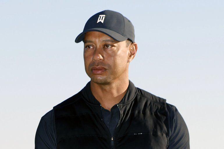 Tiger Woods durante la ceremonia de premiación del torneo Genesis Invitational en el Riviera Country Club