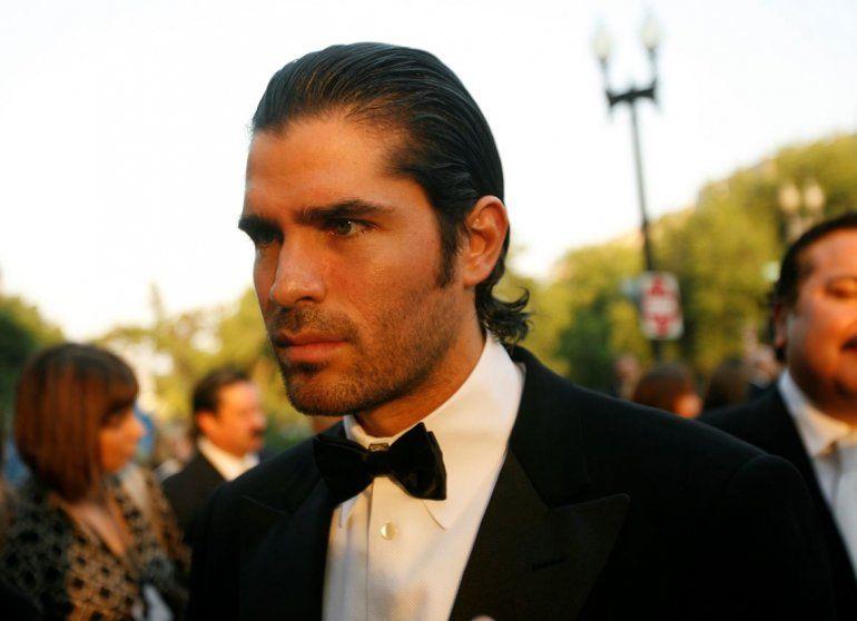En esta fotografía de archivo del 5 de septiembre de 2007 el actor mexicano Eduardo Verástegui llega a la gala y ceremonia de premiación Smithsonian Latino Center para recibir un premio de talento emergente en Washington.