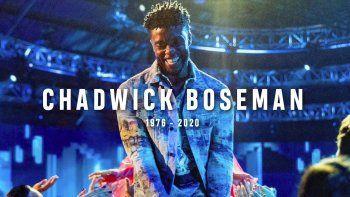Una imagen del fallecido actor Chadwick Boseman en una pantalla durante un segmento en su honor en la ceremonia de los Premios MTV a los Videos Musicales.
