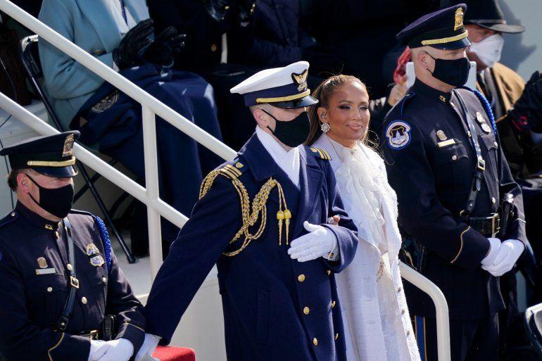 Jennifer López es acompañada a la toma de posesión del presidente electo de los Estados Unidos