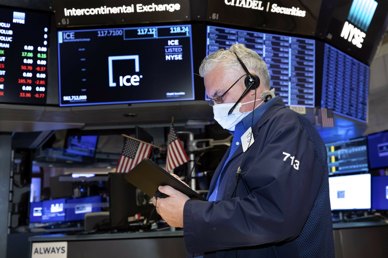 Wall Street termina en orden disperso tras una jornada en rojo