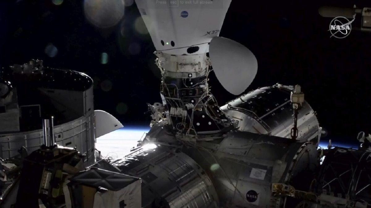Listos los primeros turistas espaciales de SpaceX