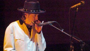 Bob Dylan ha realizado así una parada más de su Never Ending Tour, Gira Sin Fin en español, que comenzó en 1988 y que ha ofrecido este sábado en Fuengirola una muestra del lado melódico de este mito.