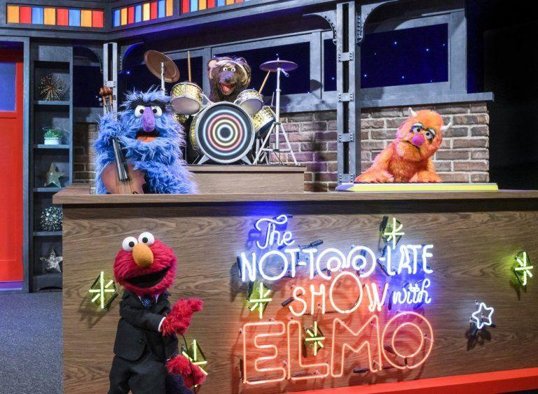 En esta imagen difundida por Sesame Workshop