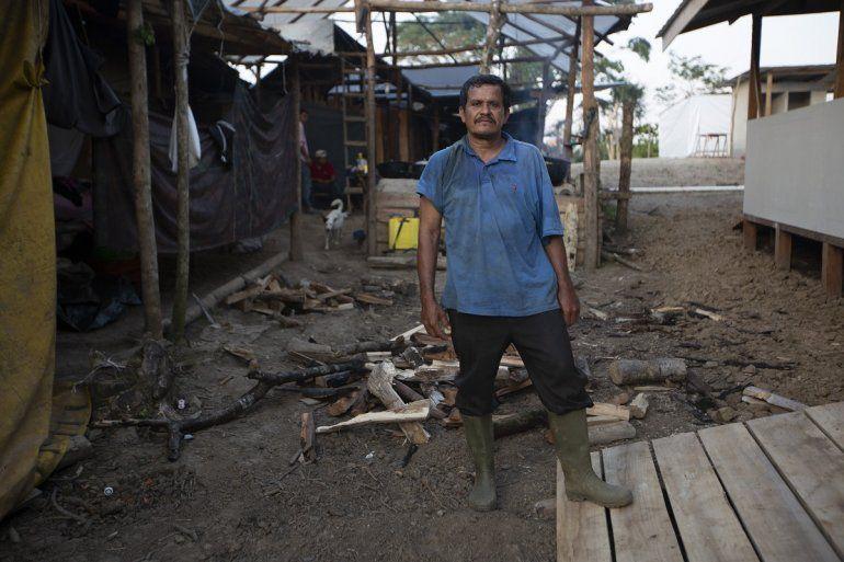 El refugiado nicaragüense Francisco Urbina posa para una foto en una comunidad de refugiados que cultiva tierras en Upala