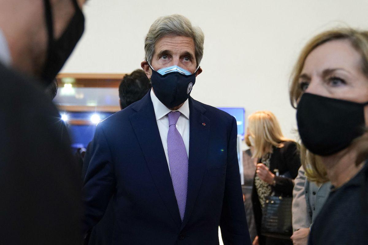 John Kerry, enviado presidencial especial de Estados Unidos para el clima, en París el 5 de octubre de 2021.