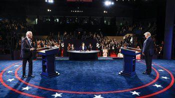 El presidente Donald Trump y el exvicepresidente del candidato demócrata a la presidencia Joe Biden participan en el debate presidencial final en la Universidad de Belmont, el jueves 22 de octubre de 2020, en Nashville, Tennessee.