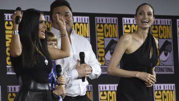 Angelina Jolie, junto a Salma Hayek,Lia McHugh y Don Lee, en una conferencia de Marvel en la pasada edición de Comic Con, que se celebró en San Diego, California.